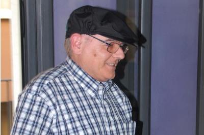 Ezequiel Gort amb la gorra de portador del Bou